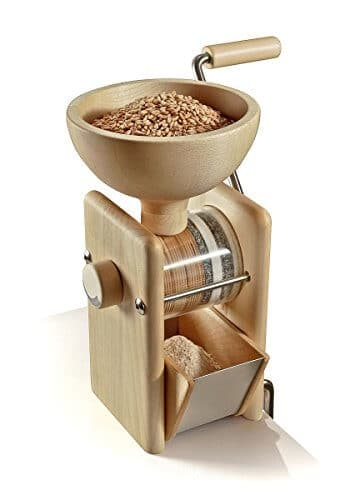 Bild: mit keimfähigem Getreide gefüllte Getreidemühle