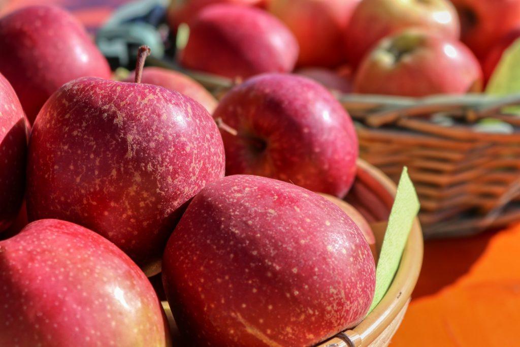 Bild: Natürlicher Zucker in roten Äpfeln
