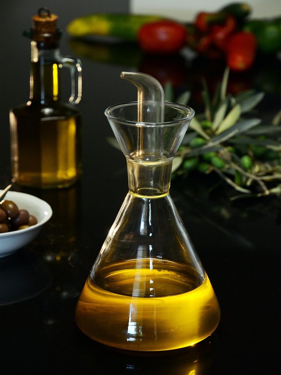 Bild: Kaltgepresstes Olivenöl