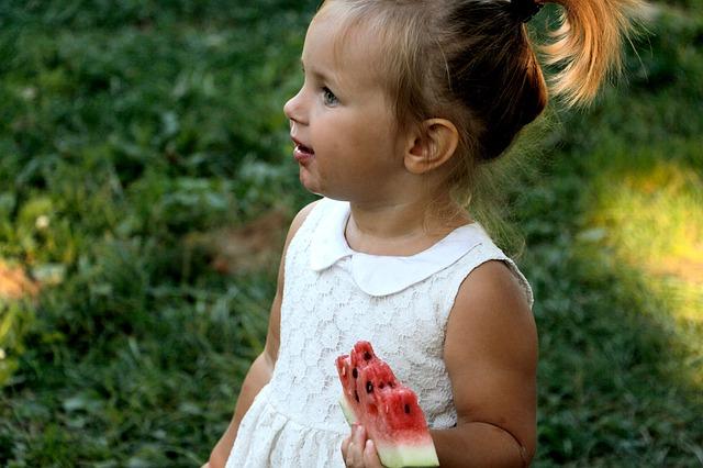 Bild: Natürliche Kinderernährung - frische Melone